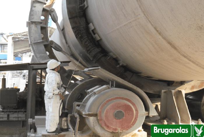 Mỡ bôi trơn đặc biệt cho vành băng đa, guốc lò nung BESLUX GRAFOL HT & HT 320